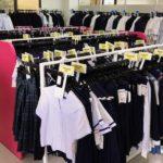 学生服リサイクルの店内画像